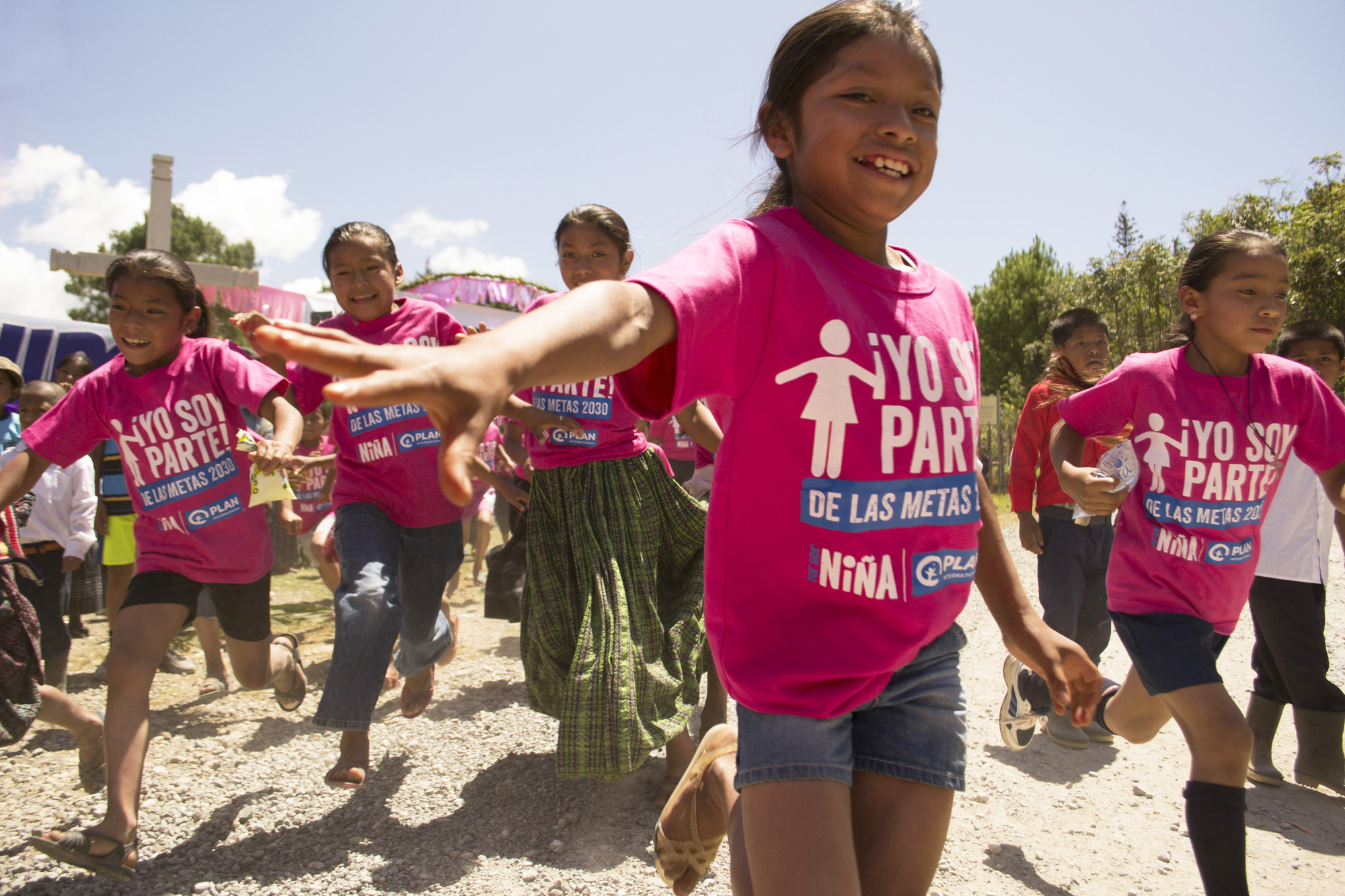 10 photos pour voir le monde avancer plan international for Portent ses fruits