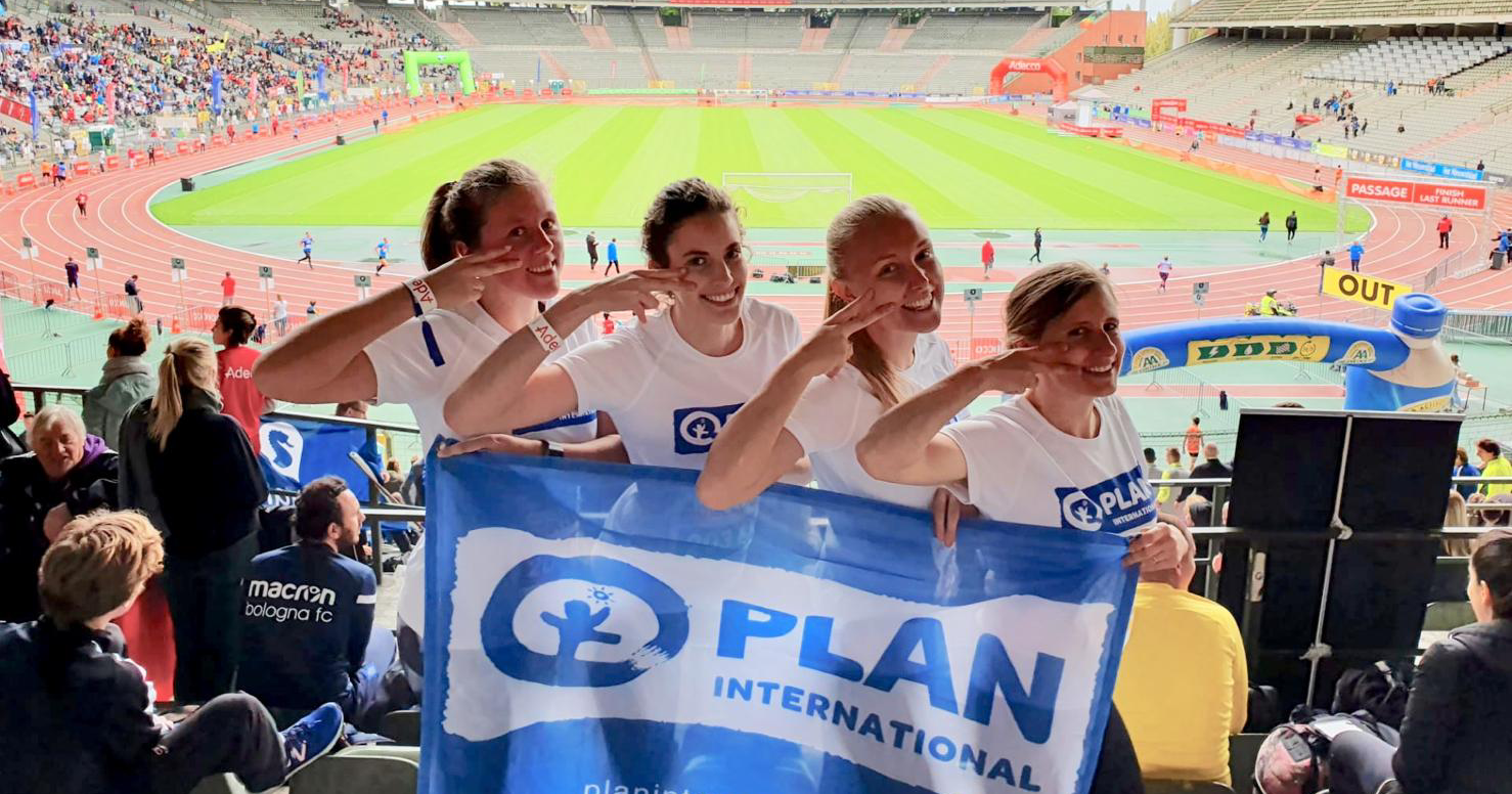 Het team van Plan International op de Adecco Brussels Ekiden